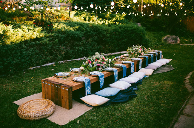 Backyard Party Set Up Ideas  10 Tips to Throw a Boho Chic Outdoor Dinner Party