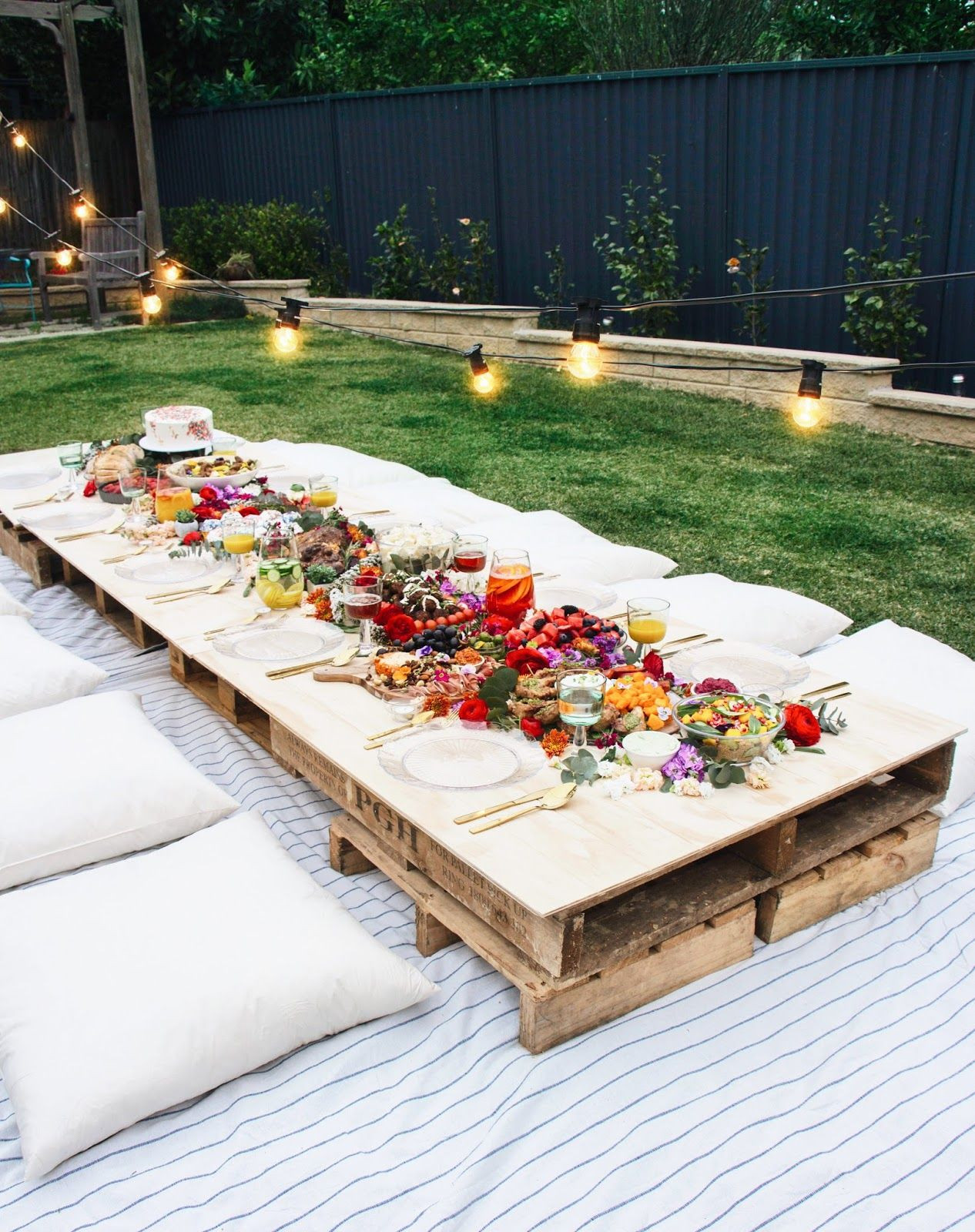 Backyard Party Set Up Ideas  Must See Backyard Party Ideas for a Relaxing and Luxurious