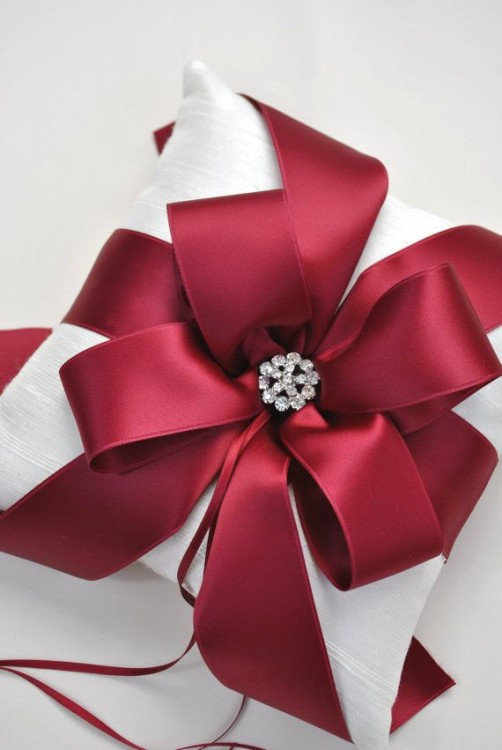 Christmas Gift Wrapping Ideas Elegant  Our Favorite Christmas Gift Wrapping Ideas
