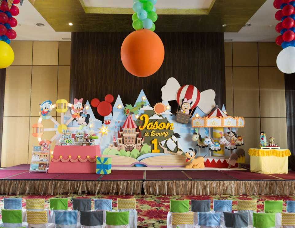 Disney Birthday Decorations  FREE Printable Disney s Tsum Tsum Birthday Invitation