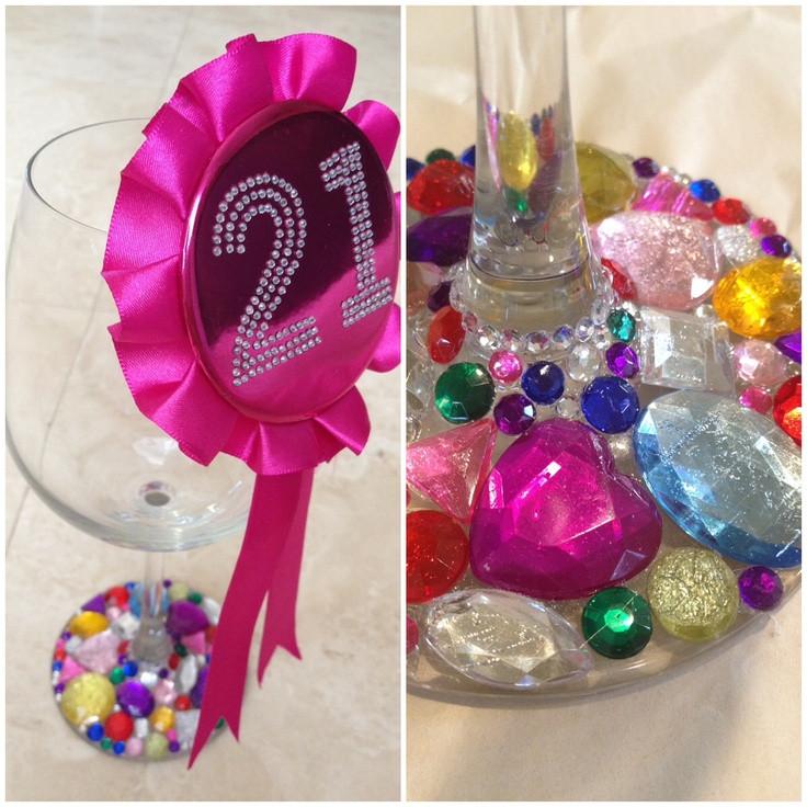 DIY 21St Birthday Gifts  Best 25 21st birthday glass ideas on Pinterest