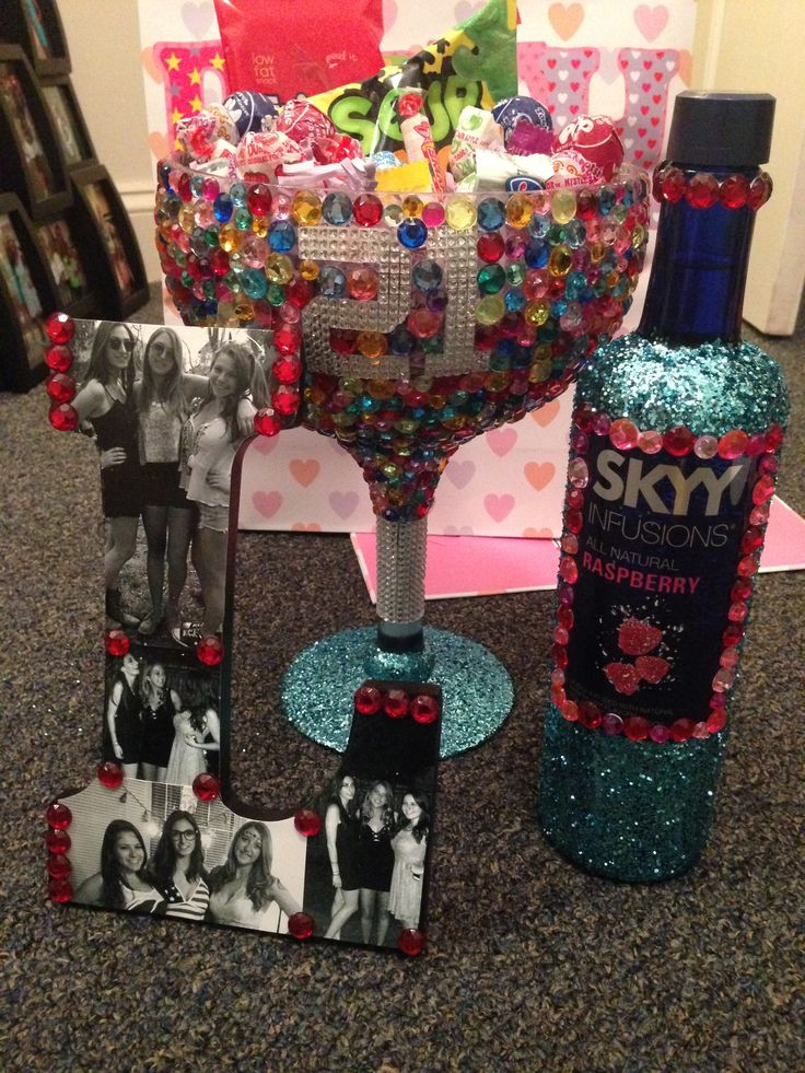 DIY 21St Birthday Gifts  17 Best ideas about 21st Birthday Cakes on Pinterest