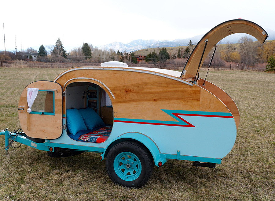 DIY Camper Trailer Plans  Montana Artists Build Teardrop Trailer From Recycled Auto