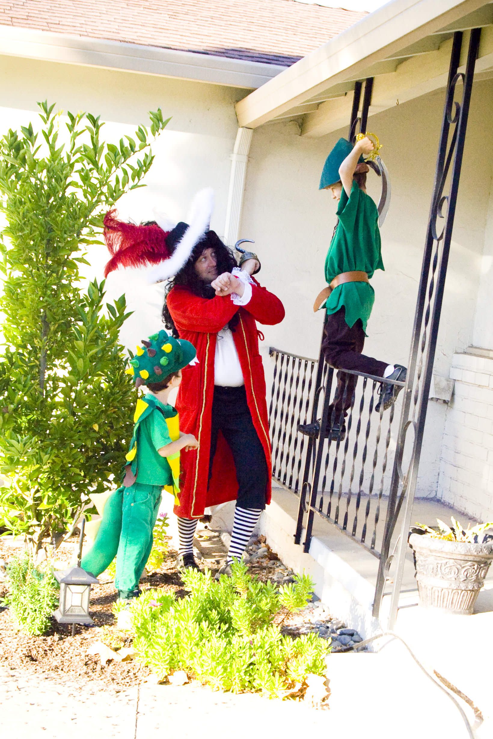 DIY Captain Hook Costumes  DIY Captain Hook Costume simple ideas for fast costumes