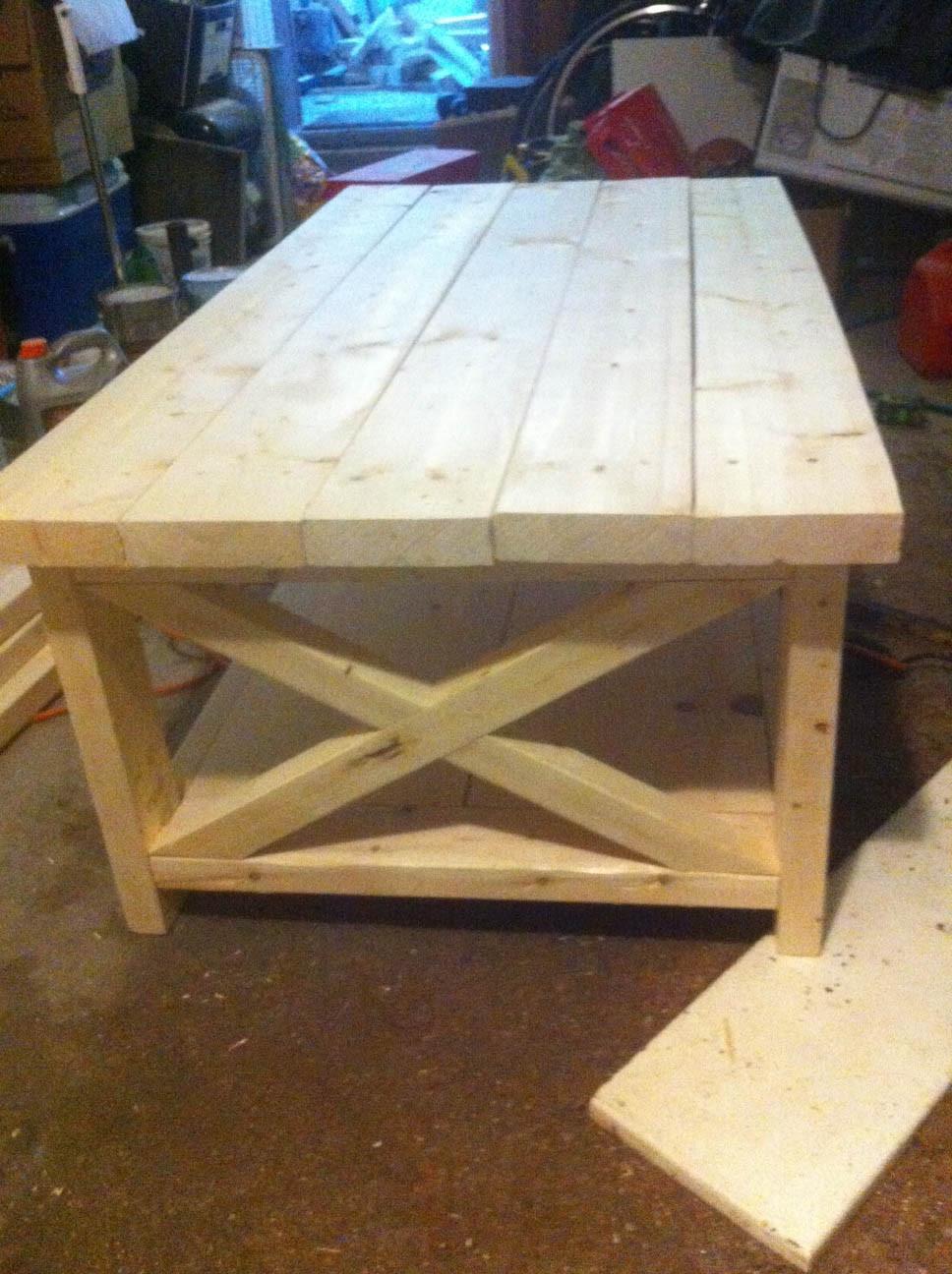 DIY Coffee Tables Plans  artisan des arts DIY Oxidized wood X coffee table