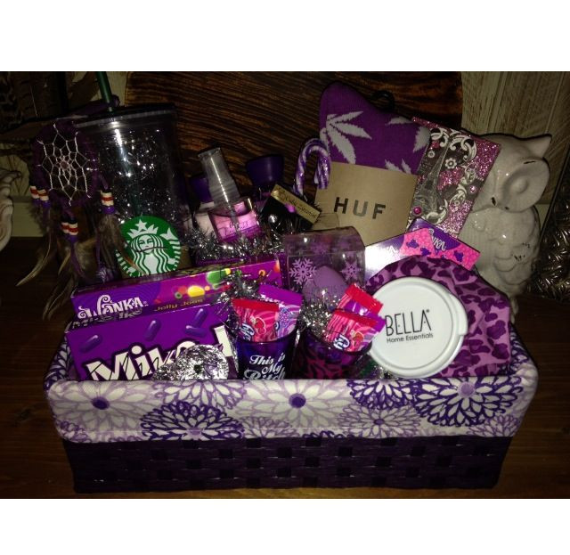 Diy Gift Ideas For Girlfriend  DIY t basket for girlfriends super cute
