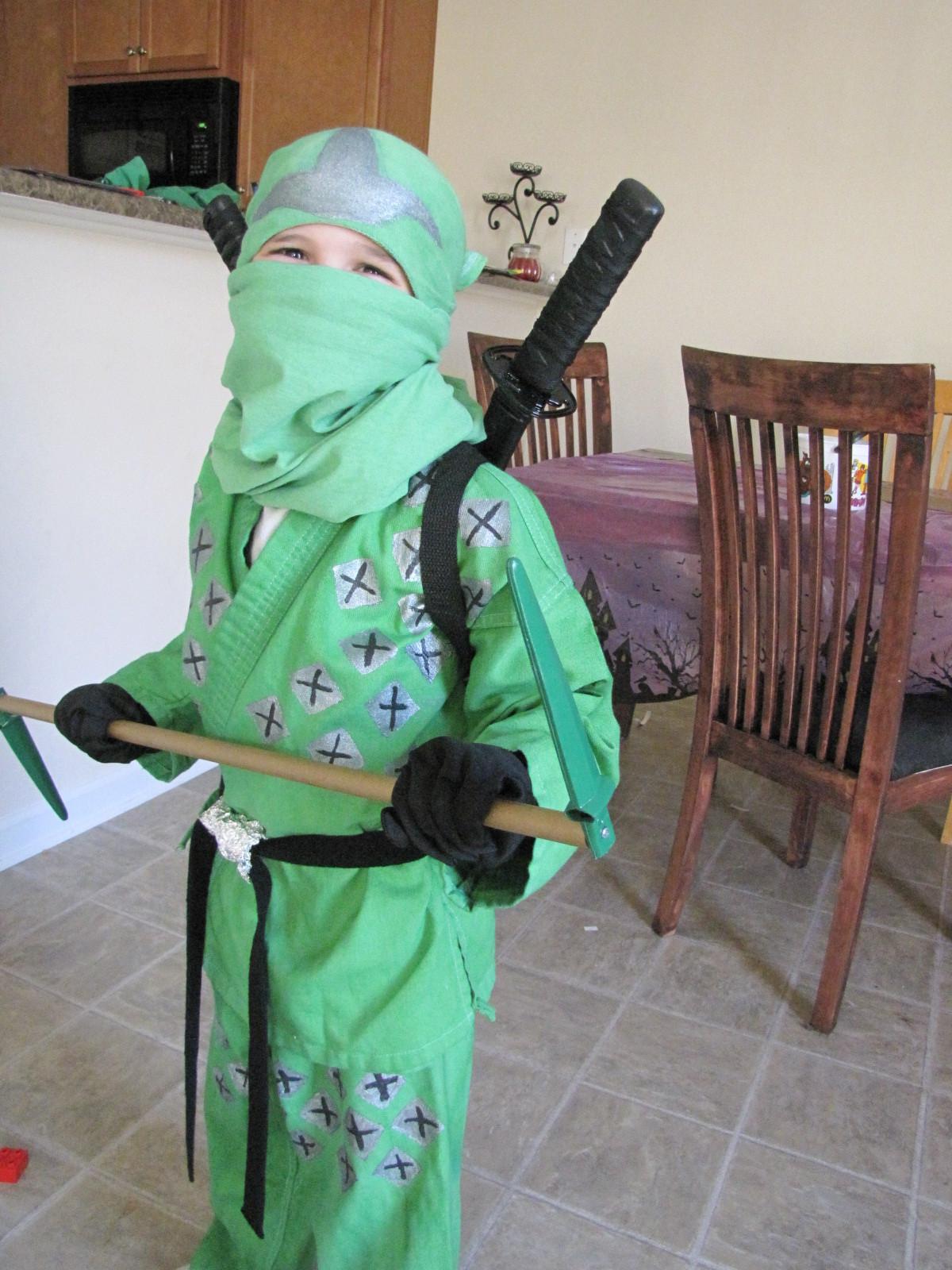 DIY Ninja Mask  Roberts Family Adventures How to Make a Ninjago Green