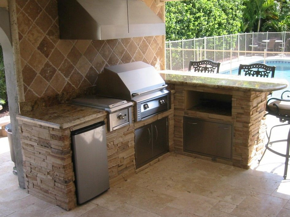 DIY Outdoor Grill Vent Hood  I like these colors like the tiled backsplash with