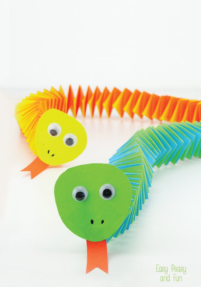 Easy Craft Ideas For Kids  Accordion Paper Snake Craft Easy Peasy and Fun