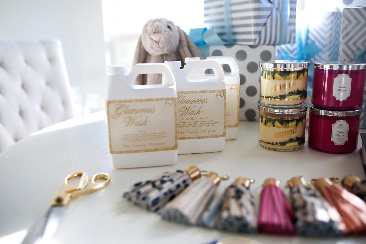 Gift Ideas For Baby Shower Host  Hostess Gift Ideas