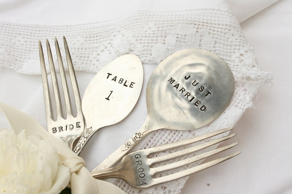 Good Wedding Gift Ideas  Small Wedding Ideas to Suppress Your Expense