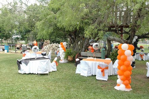 Graduation Party Ideas For Backyard  Backyard graduation party decorating ideas