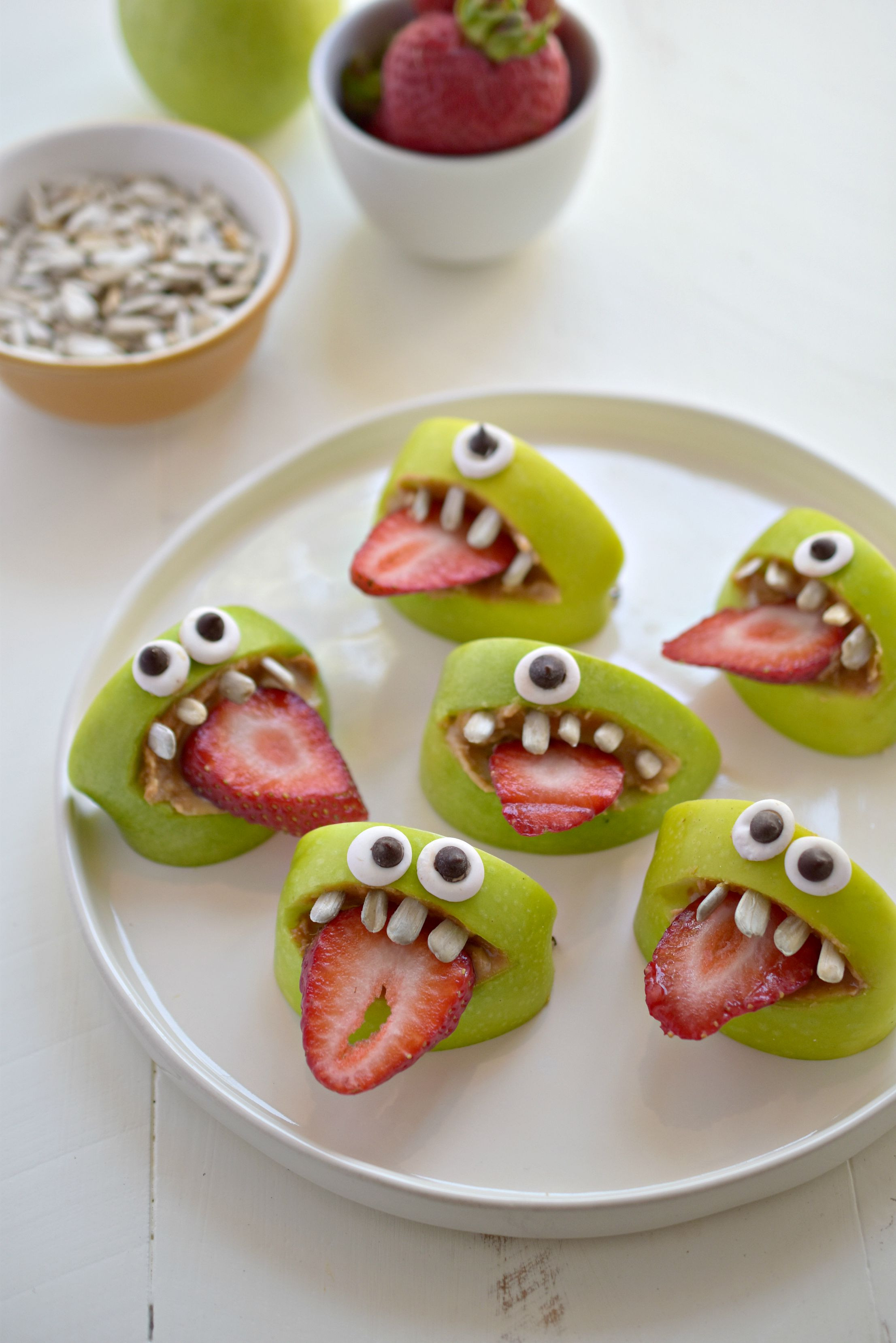 Halloween Party Snack Ideas  Silly Apple Bites Fork and Beans