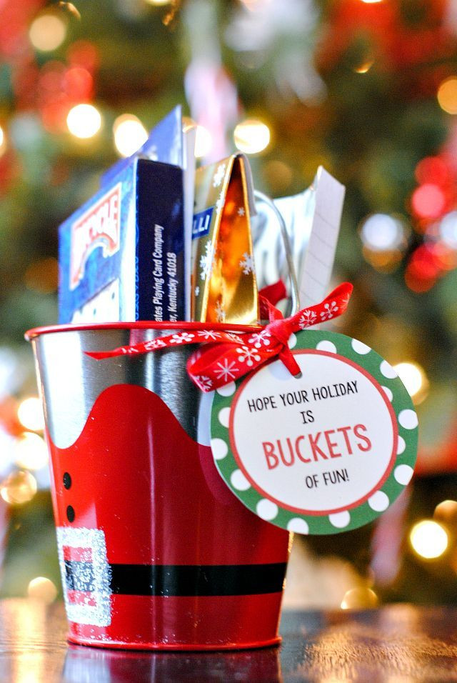 Holiday Gift Ideas For Office Staff  1000 ideas about fice Christmas Gifts on Pinterest