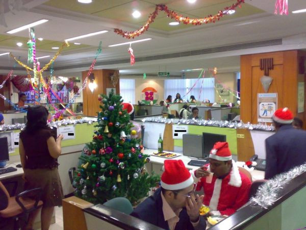 Holiday Party Ideas For Small Office  Christmas Decorations for Businesses
