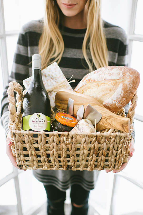 Hostess Gifts Ideas For Dinner Party  Perfect Gift for your Dinner Party Host eateep wear
