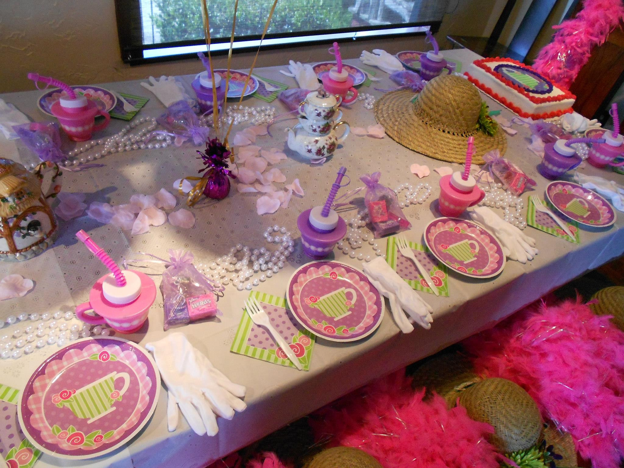 Ideas For Little Girls Tea Party  Girls Tea Party is a Good Chance to Relax a Bit