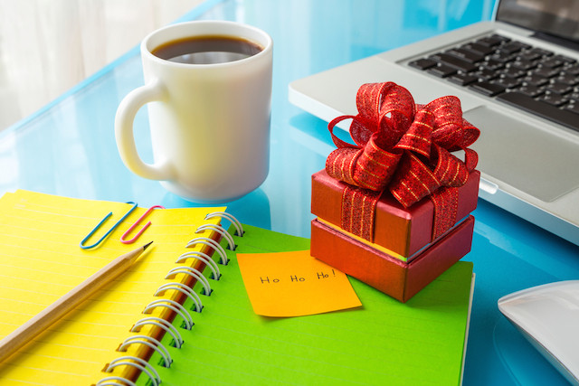 Inexpensive Employee Holiday Gift Ideas  Gifts for Employees Great Gifts for Your Staff