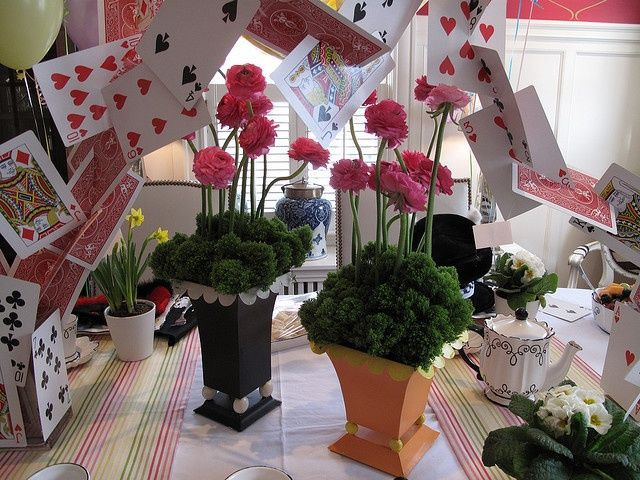 Mad Hatter Tea Party Decoration Ideas  1000 images about Mad Hatter Party Ideas on Pinterest