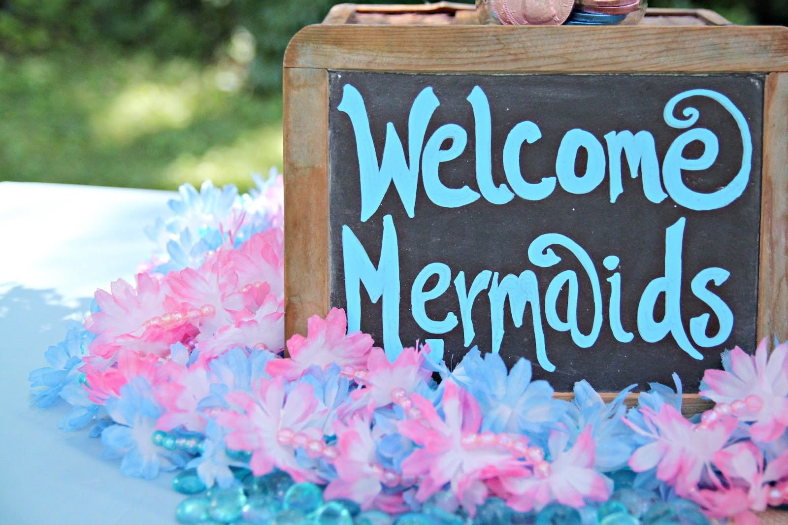 Mermaid Party Ideas 4 Year Old  14 Awesome Little Mermaid Birthday Party ideas