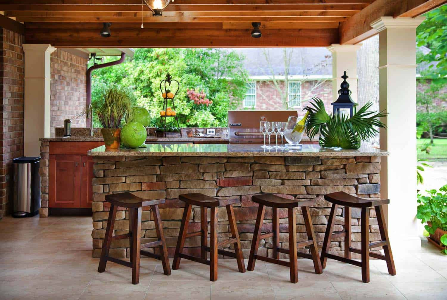 Outdoor Kitchen Designs  20 Spectacular outdoor kitchens with bars for entertaining