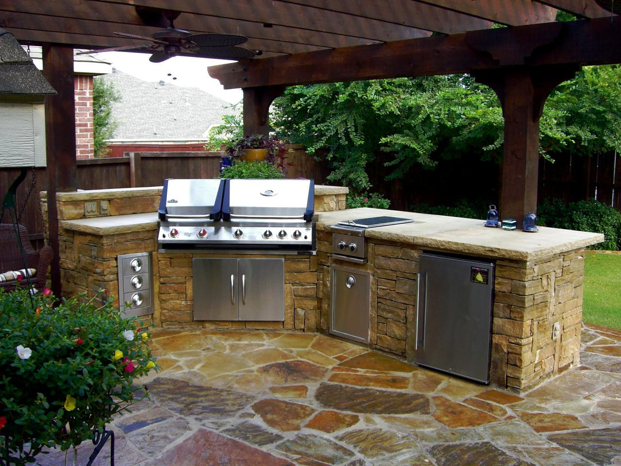 Outdoor Kitchen Diy  These DIY Outdoor Kitchen Plans Turn Your Backyard Into
