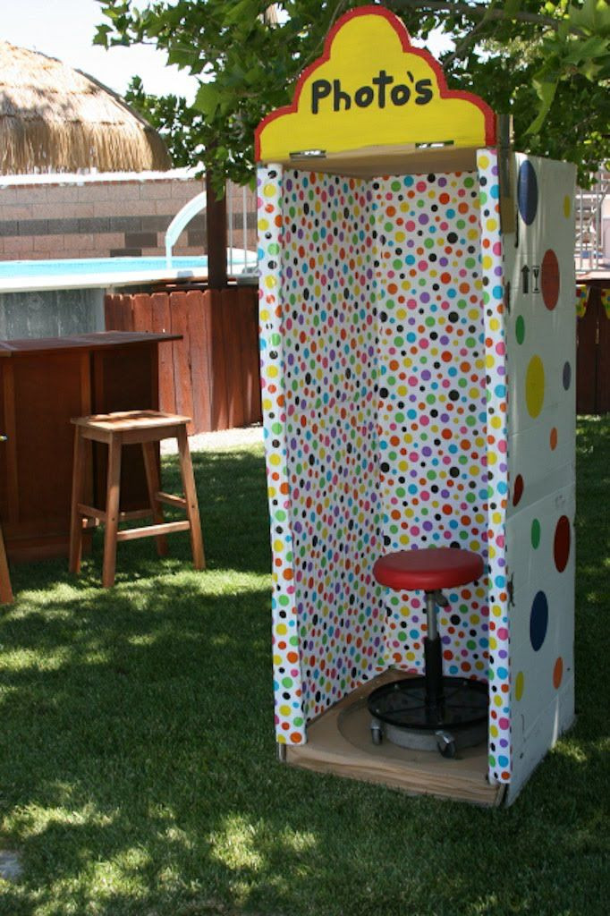Photo Booth Ideas For Graduation Party  23 best Graduation Booth Ideas images on Pinterest