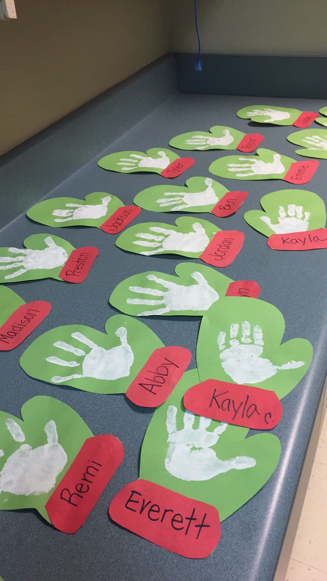 Preschool Arts And Crafts Ideas  23 Cute and Fun Handprint and Footprint Crafts for Kids