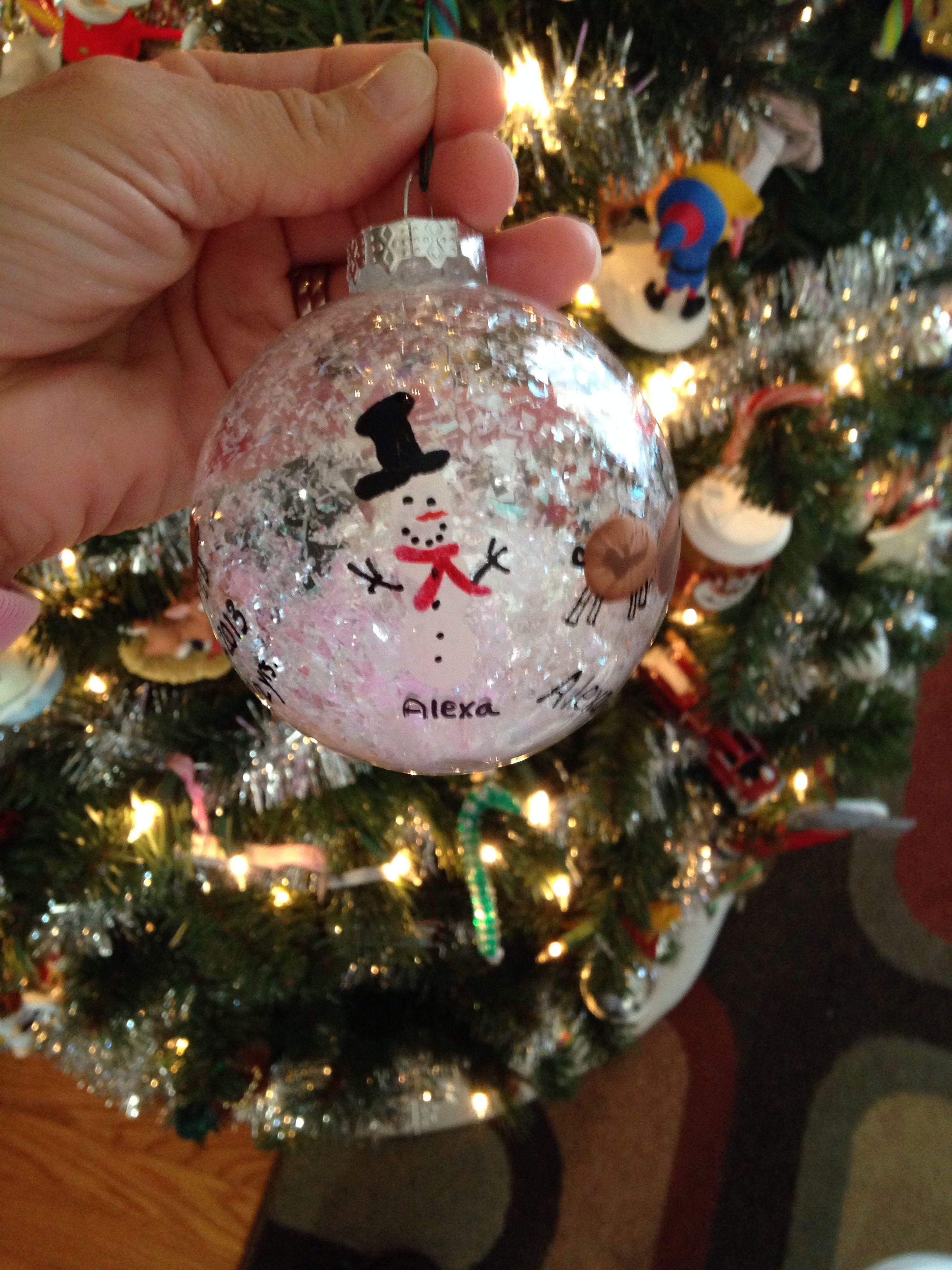 Preschool Christmas Ornament Craft Ideas  DIY Christmas Ornament for kids we used thumb prints to