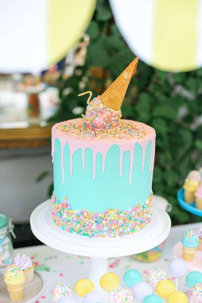 Teenage Birthday Cakes Ideas  25 best ideas about Teen birthday cakes on Pinterest