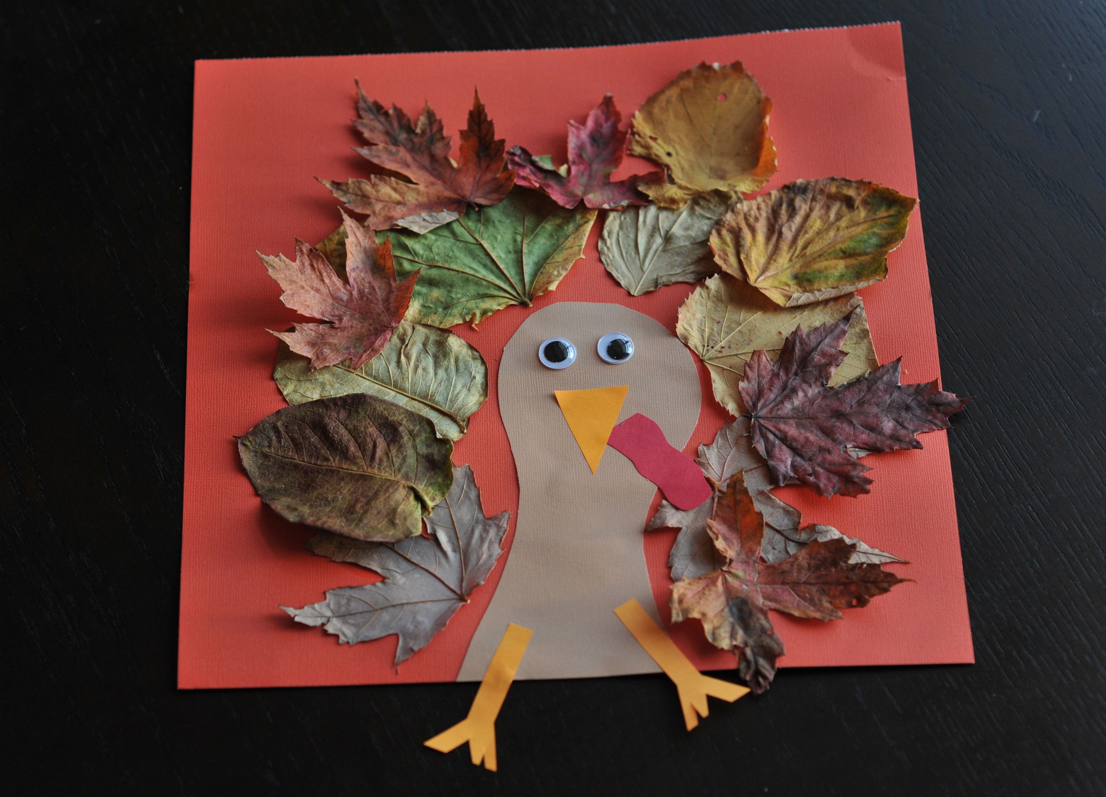 Thanksgiving Art Projects For Preschoolers  Fall Turkey Craft with Leaves