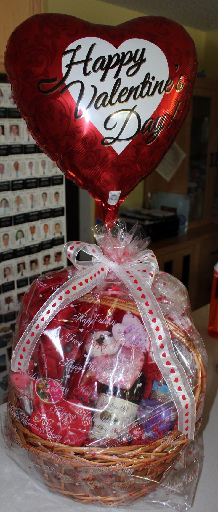 Valentine Day Gift Basket Ideas  Best 25 Valentine t baskets ideas on Pinterest