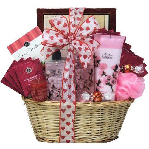 Valentine Day Gift Basket Ideas  15 Valentine s Day Gift Basket Ideas For Husbands Wife