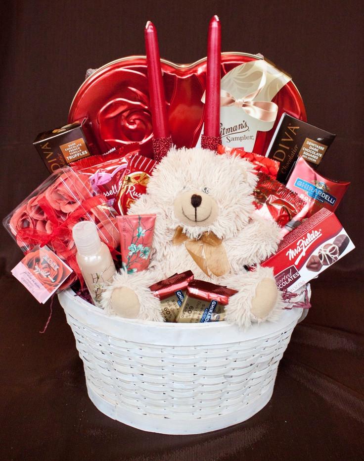 Valentine Day Gift Basket Ideas  25 best ideas about Valentine baskets on Pinterest