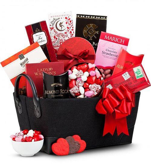 Valentine Day Gift Basket Ideas  33 best valentine t basket images on Pinterest