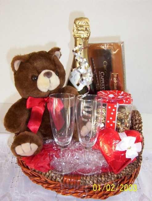 Valentine Day Gift Basket Ideas  25 best ideas about Valentine s day t baskets on