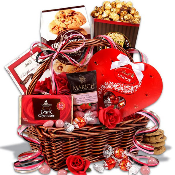 Valentine Day Gift Basket Ideas  25 Valentine's Day Gifts for your Girlfriend