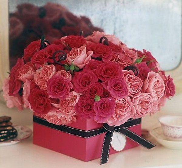 Valentine Day Gift Box Ideas  Beautiful Valentine Table Decoration Ideas Pink Gift Box