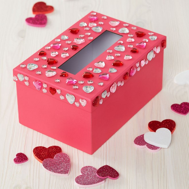 Valentine Day Gift Box Ideas  15 Easy to make DIY Valentine Boxes – Cute ideas for boys