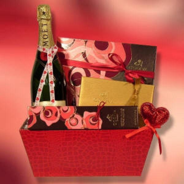 Valentine Guy Gift Ideas  Valentines Ideas Men Teenage Quizes