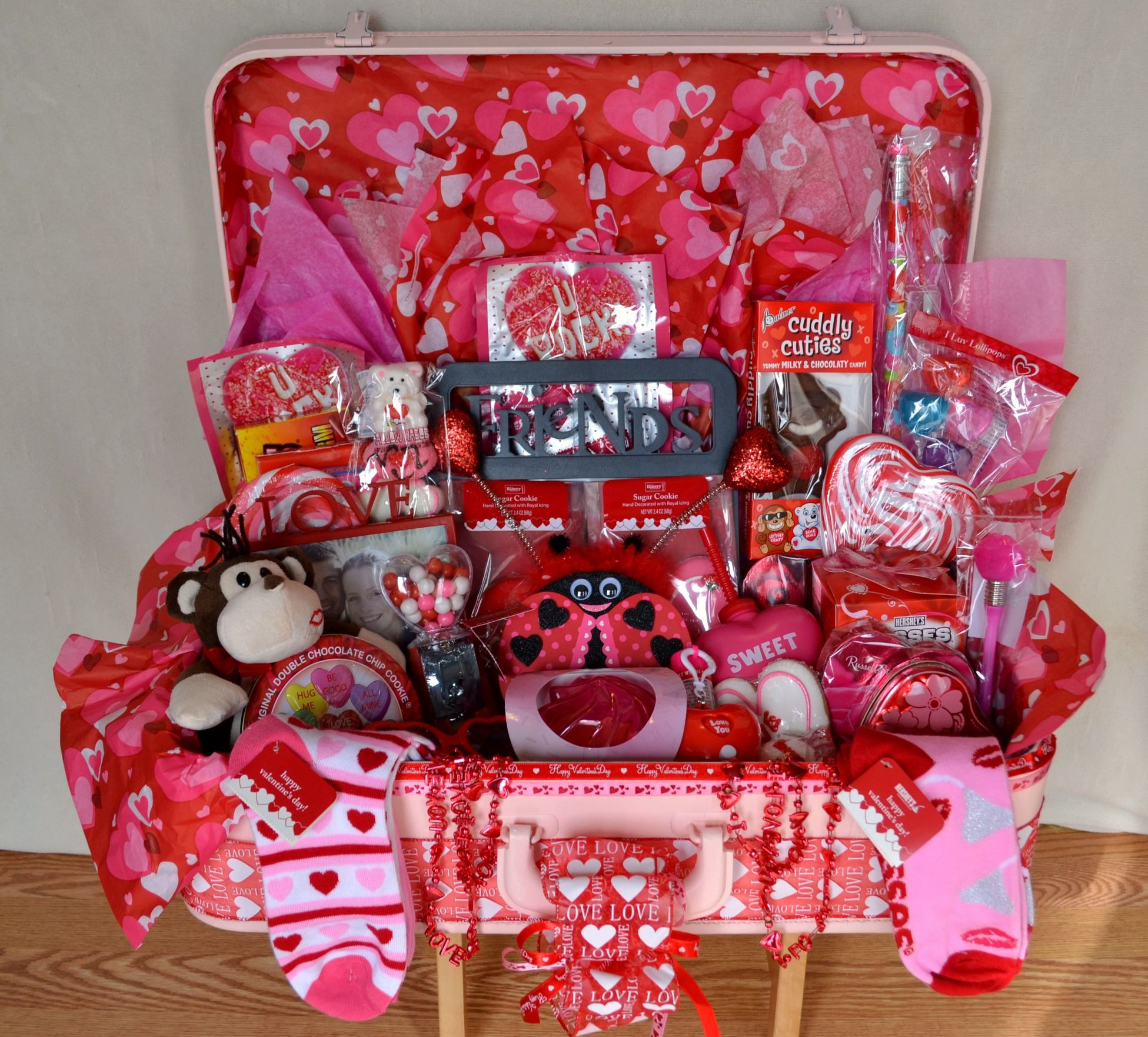 Valentine'S Day Gift Delivery Ideas  Valentine s Day Homemade Gift Baskets