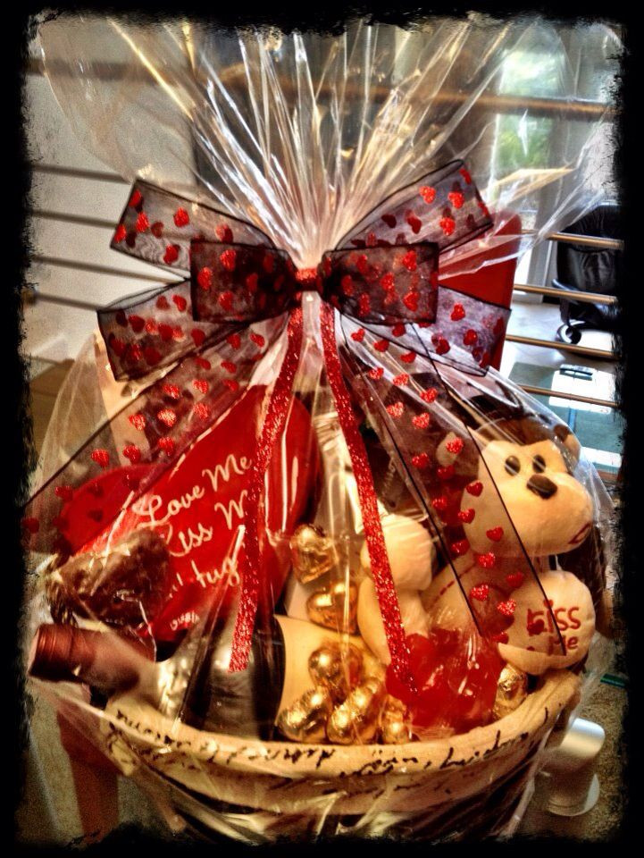 Valentines Day Gift Basket Ideas  33 best valentine t basket images on Pinterest