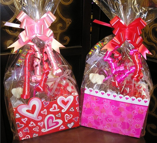 Valentines Day Gift Basket Ideas  146 best Gift Basket Ideas images on Pinterest