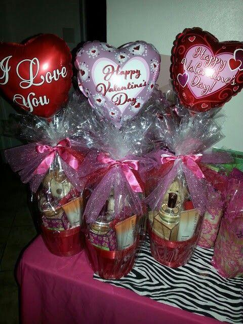 Valentines Day Gift Basket Ideas  Best 20 Valentine Baskets ideas on Pinterest