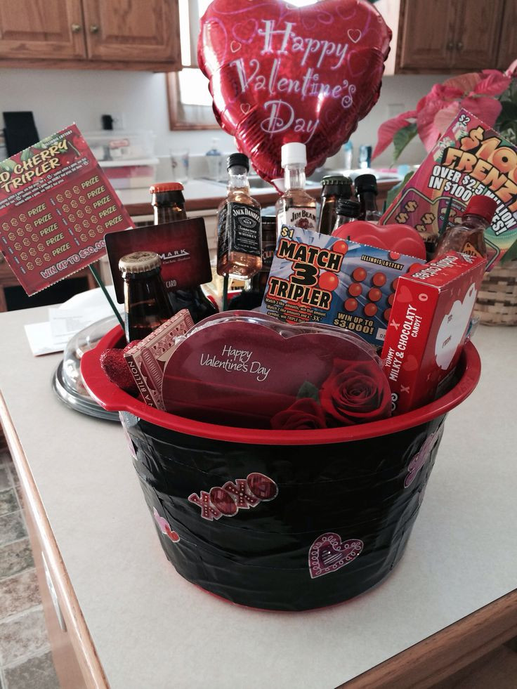 Valentines Day Gift Basket Ideas  1000 ideas about Gift Card Basket on Pinterest