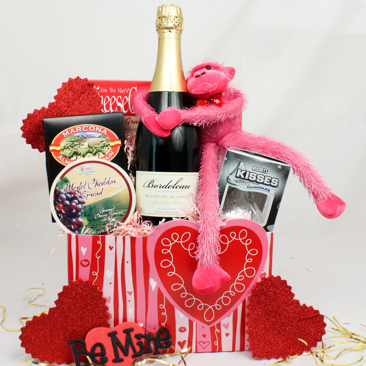 Valentines Day Gift Basket Ideas  Valentine Gift Baskets Ideas InspirationSeek