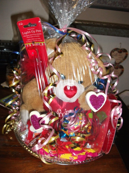 Valentines Day Gift Basket Ideas  1000 images about His and her baskets on Pinterest