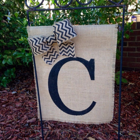 Wedding Gift Ideas For Outdoorsy Couple  Personalized Garden Flag Wedding Gifts for Couple Burlap