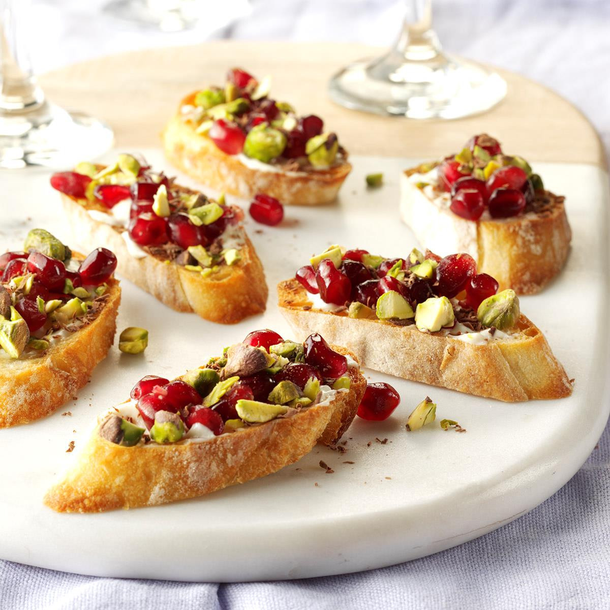 Appetizer Ideas For Christmas Party  40 Easy Christmas Appetizer Ideas Perfect for a Holiday