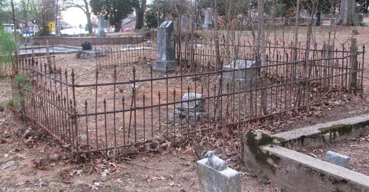 Cemetery Fence Halloween Prop  17 Best images about Halloween Cemetery on Pinterest